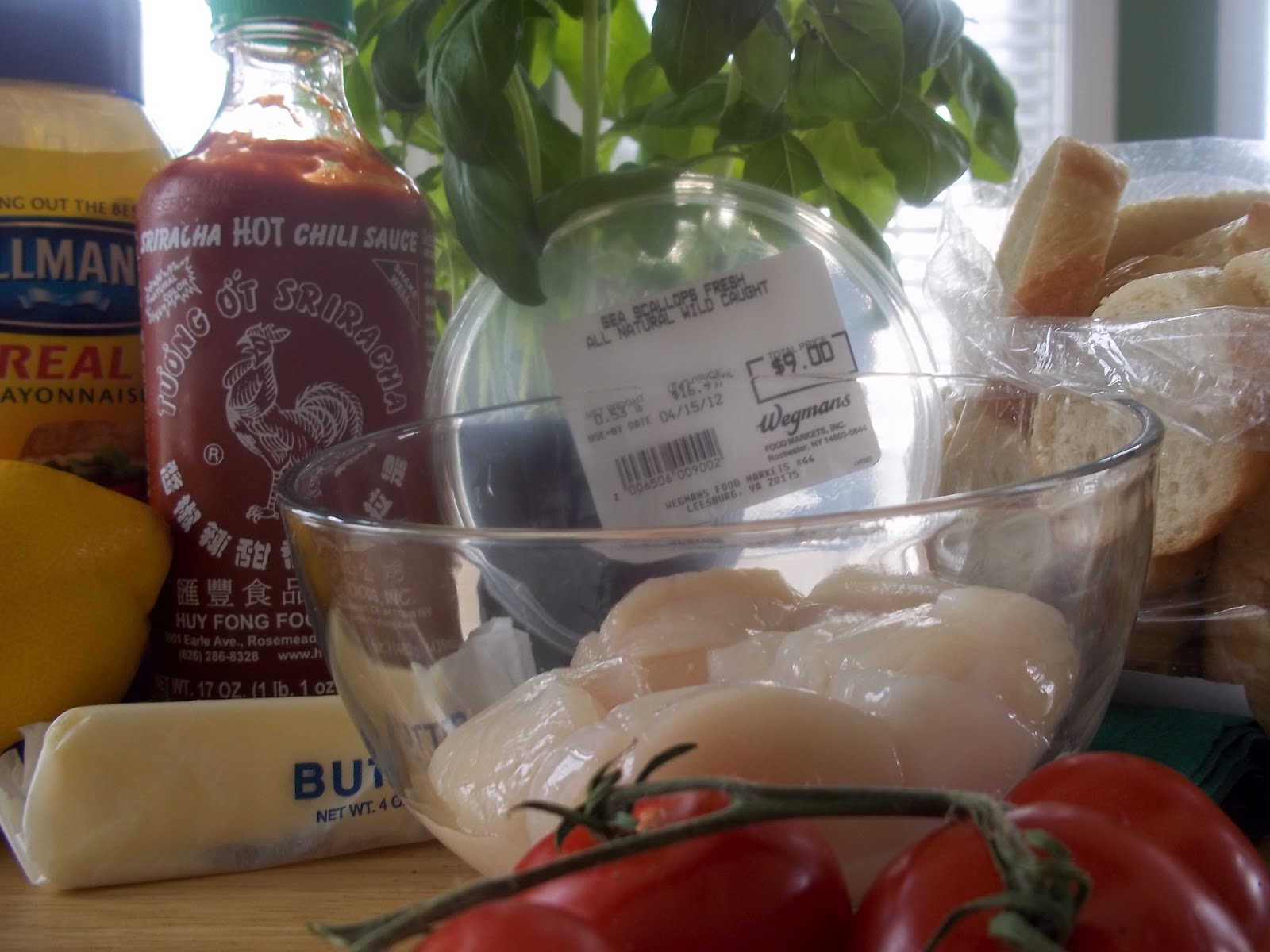 ... basil sea scallop croustini with sriracha chili sauce 8 sea scallops