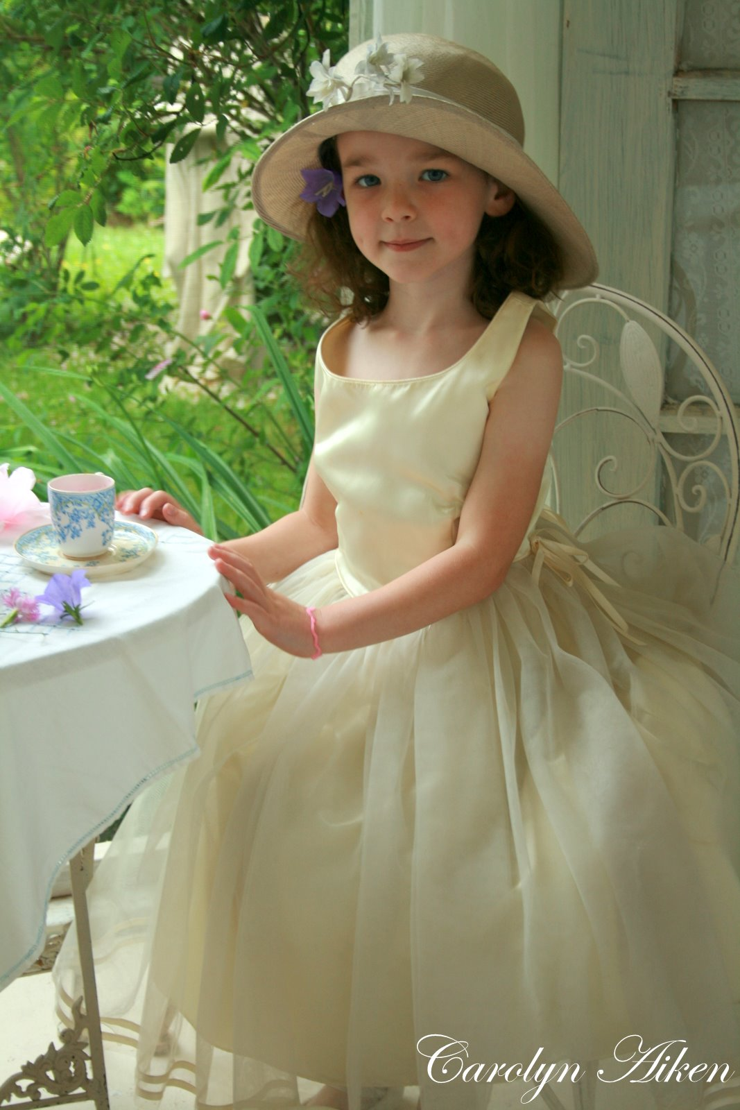Tea Party Attire, Tea Party Outfits, Party Outfits For Women, Tea Party Hats, Party Wear, High Tea Outfit, High Tea Dress, High Tea Parties, Garden Tea Parties, Party Clothes Find this Pin and more on Top of the World Style - Linkup party by High Latitude Style.
