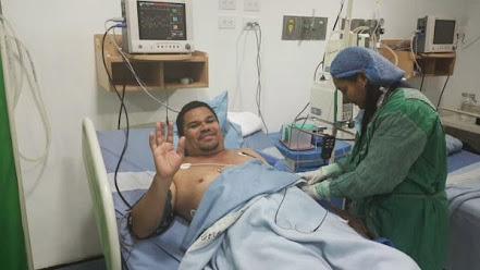 """La imagen: """"Er Conde"""" recuperándose tras su intervención quirúrgica"""