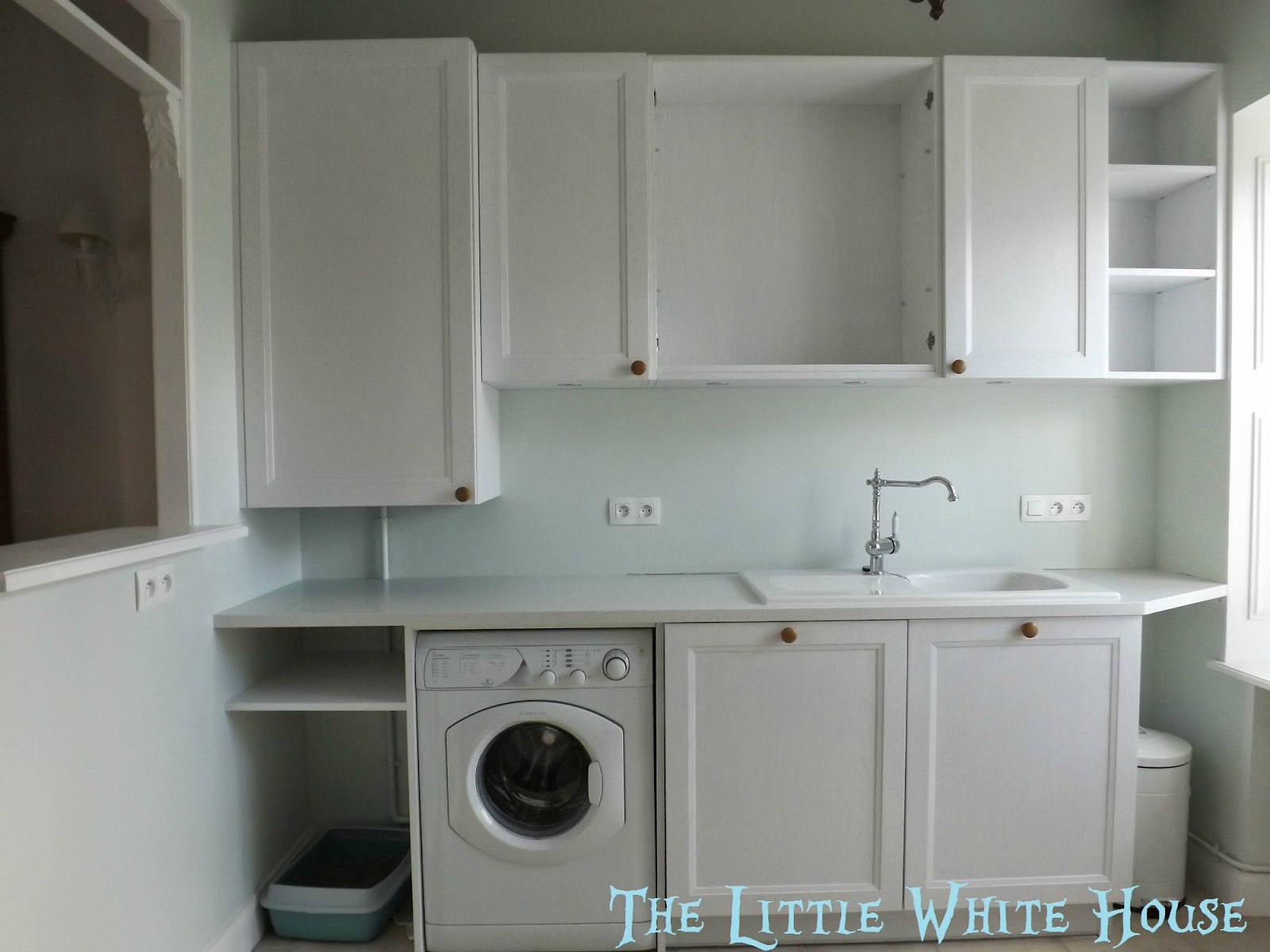 http://thelittlewhitehouseontheseaside.blogspot.fr/2014/05/blank-canvas.html