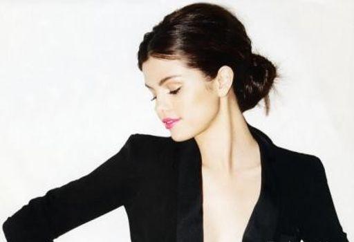Lizbeth G. Phoenix Selena-gomez-2011