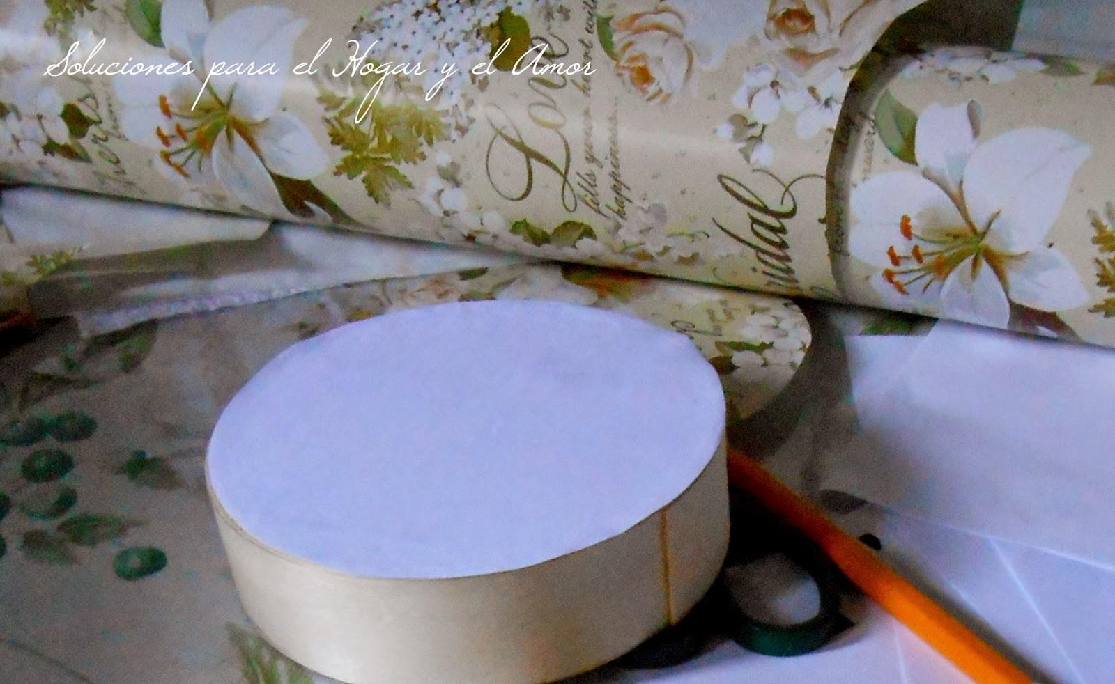 Decoupage sobre Caja de Madera Circular