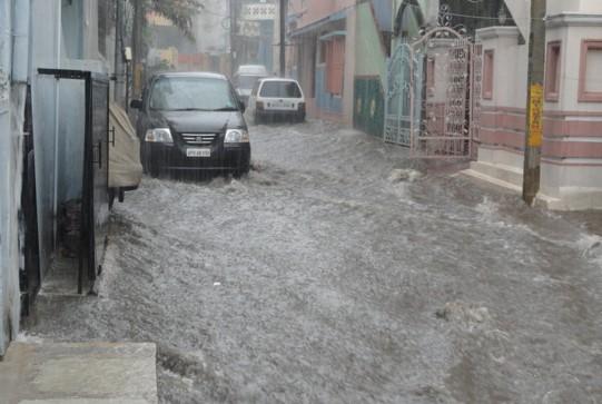 teks-berita-singkat-tentang-banjir
