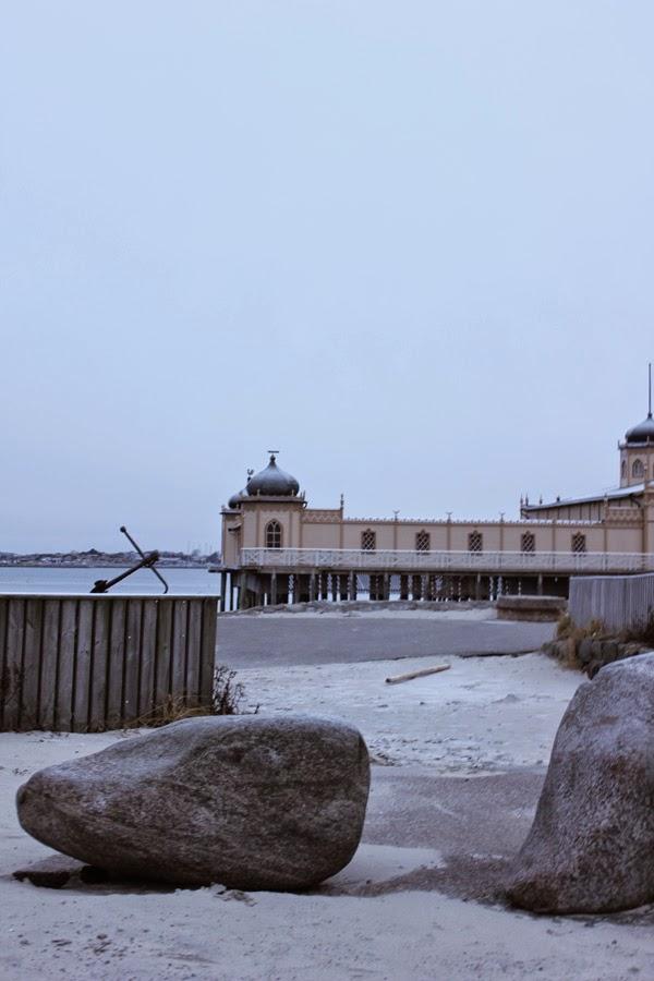 varberg, varbergs fästning, varbergsbilder, varbergsbild, kallbadhuset, vinter, vinter, strandpromenaden, strand, hav, havet