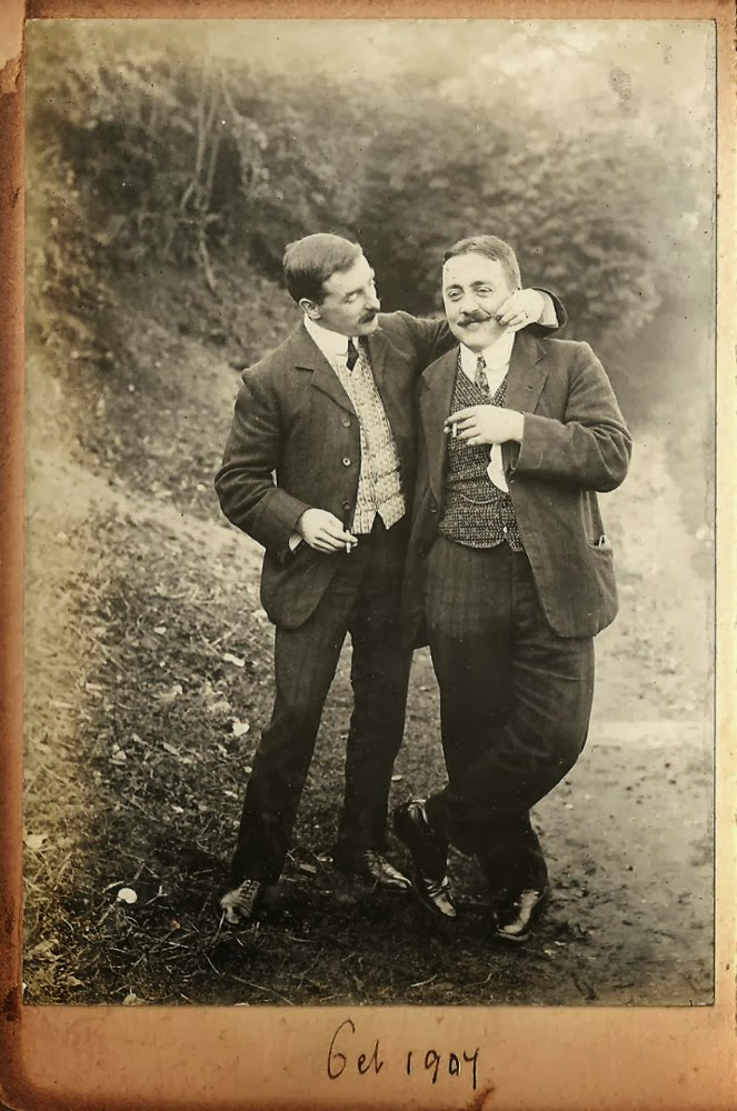 VINTAGE PHOTOGRAPHY: Vintage men 1904: http://retro-vintage-photography.blogspot.com/2014/03/vintage-men-1904.html
