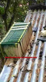 Tafsir AlQuran 17 jilid 30 juzuk hanyut ketika banjir dan tersusun diatas bumbung di sebuah rumah