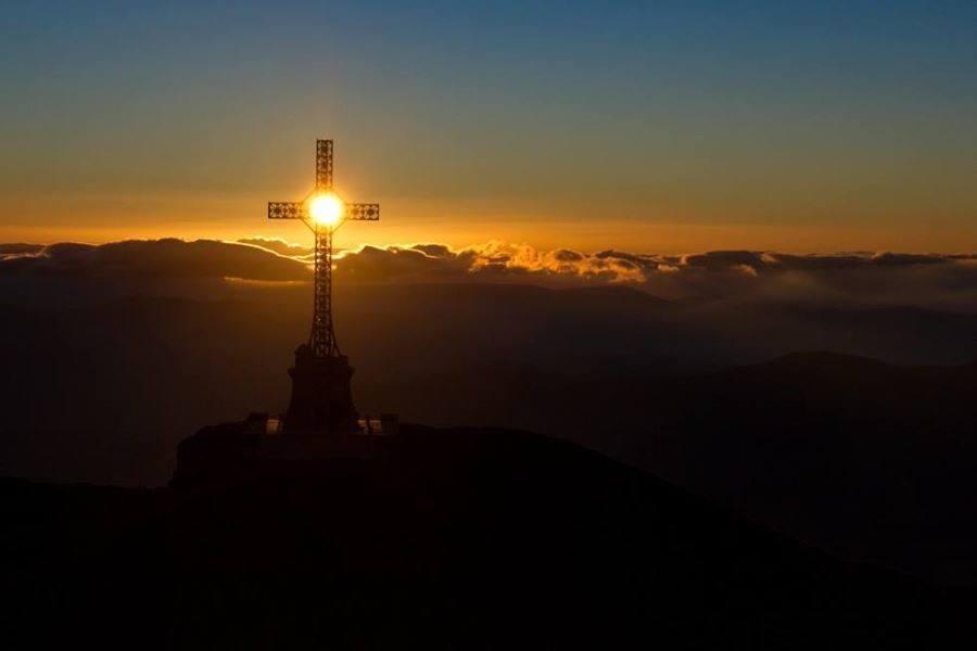 Afbeeldingsresultaat voor soarele la crucea de pe caraiman