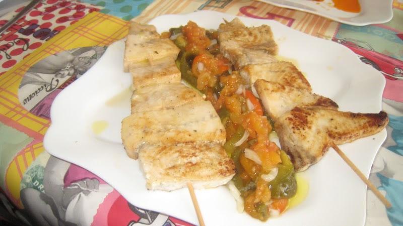 Las recetas de manolo tito brochetas de pez espada for Pez espada fresco