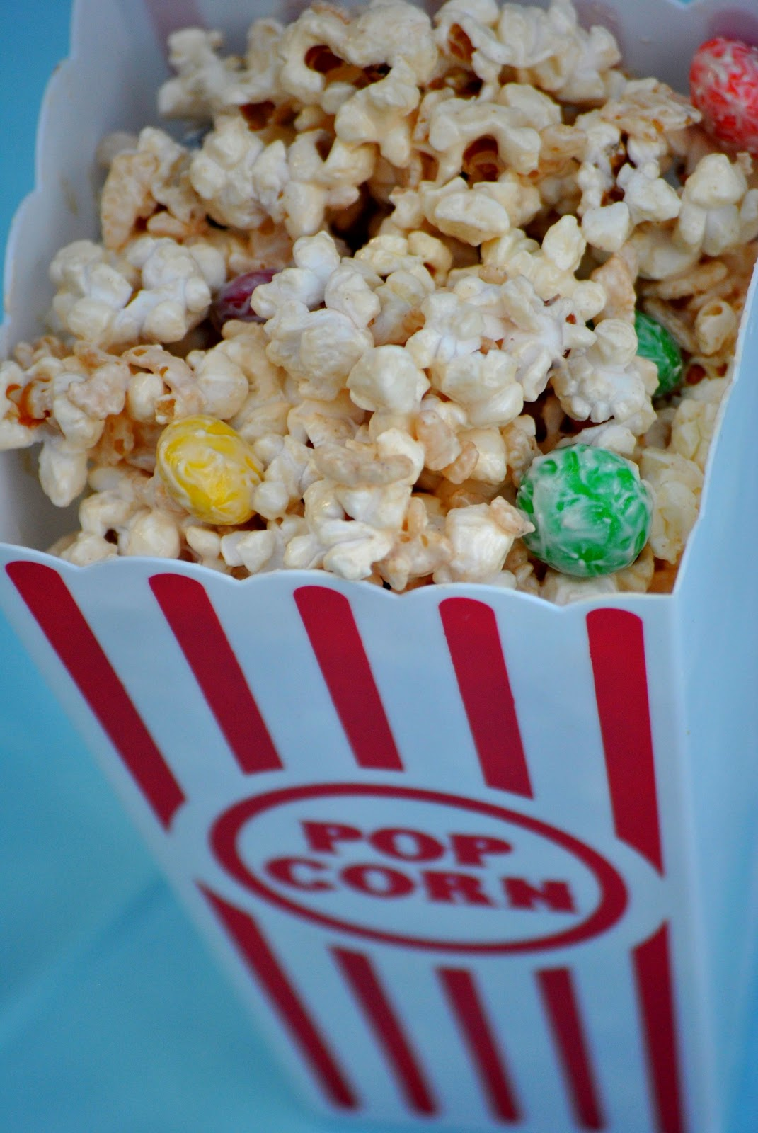 The Farm Girl Recipes: White Chocolate Peanut Butter Popcorn