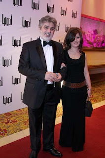 صورة الفنان عباس النورى وزوجته