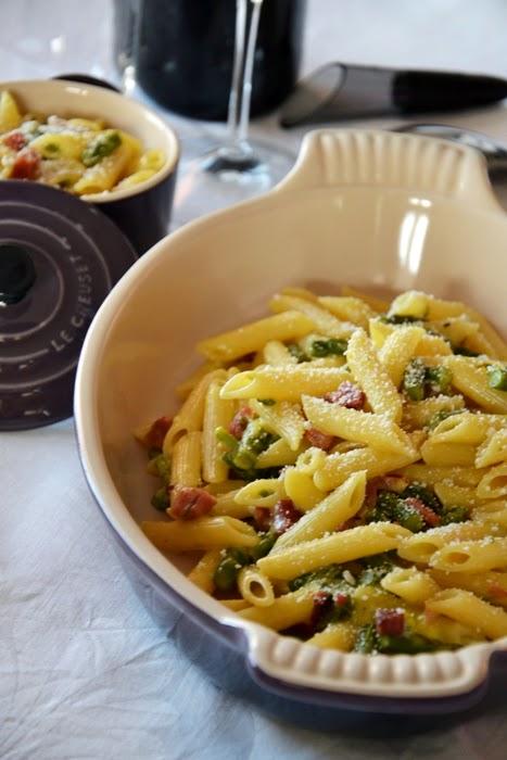 carbonara di asparagi e speck con ricotta salata