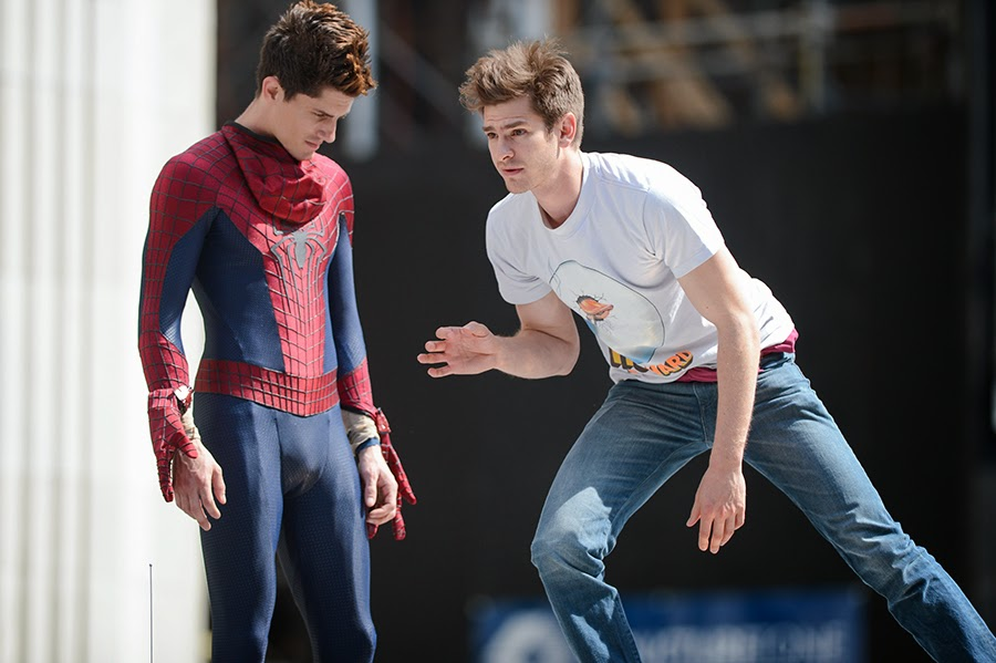 andrew garfield con su doble en spider man