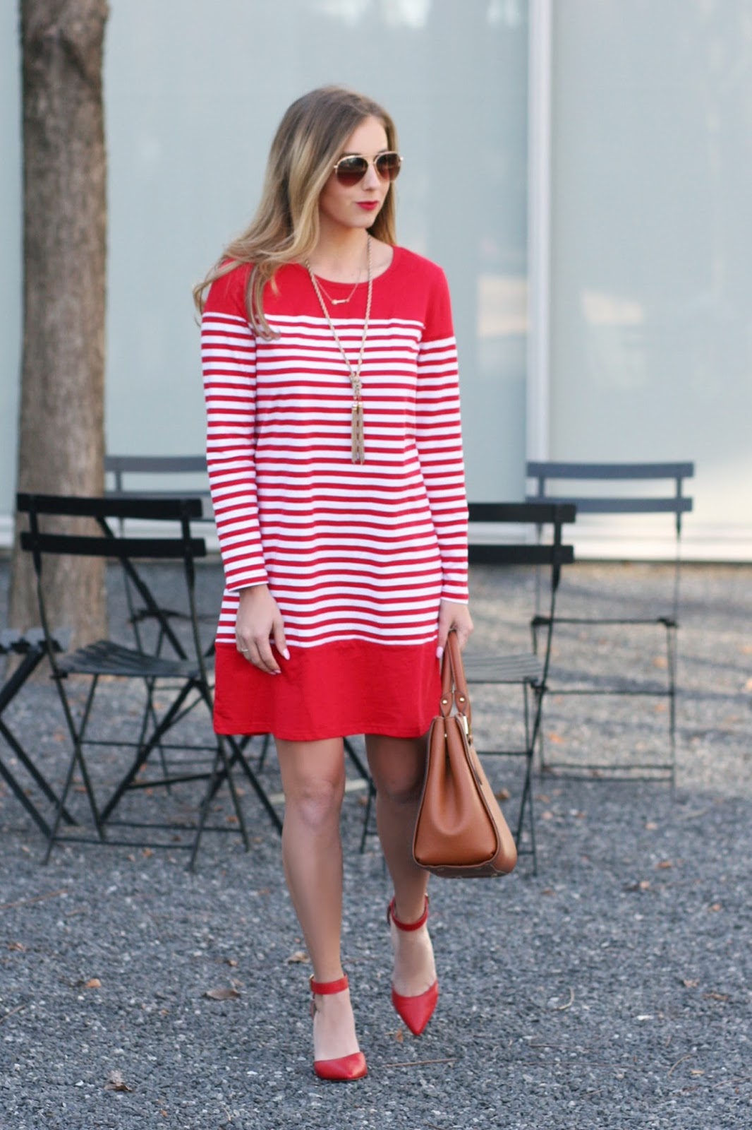 perfect-red-dress-for-valentines-day-date