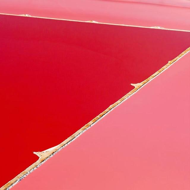 Pink Hutt Lagoon, Australia