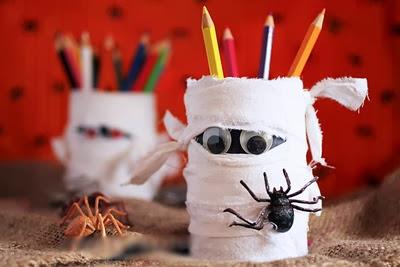 Làm ma Halloween ống đựng viết