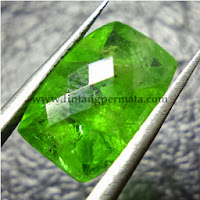 Batu Permata Natural Green Garnet