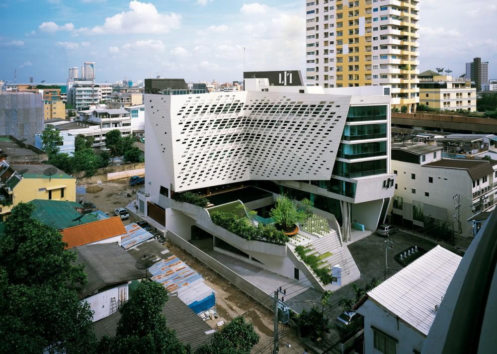 Traveler guide bangkok lit for Bangkok architecture