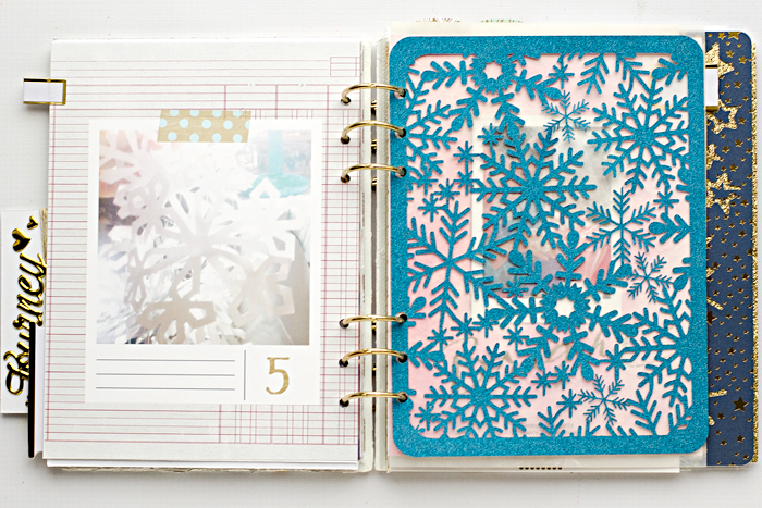 December Daily® hybrid scrapbook mini album | Day 5