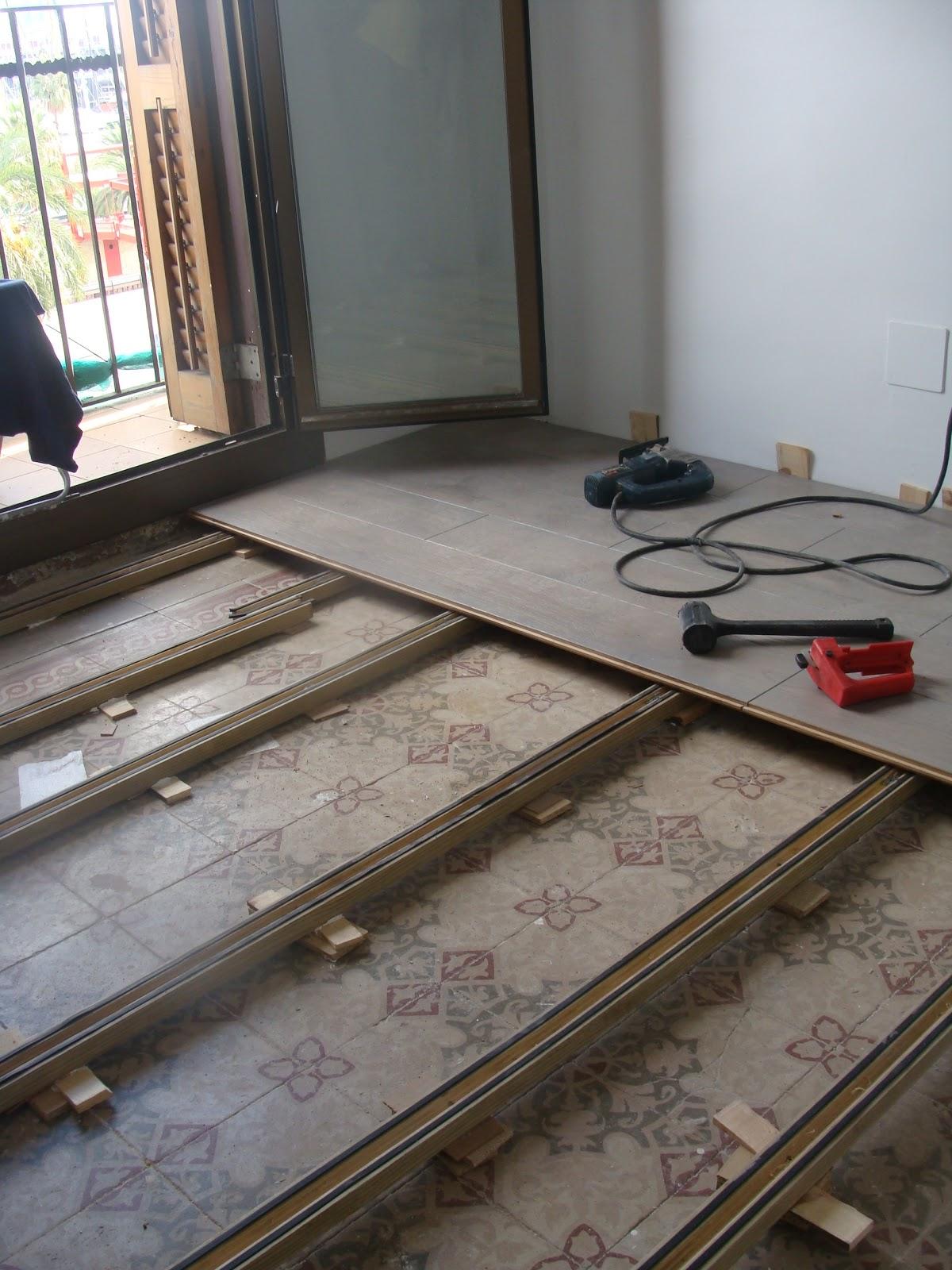 Tarimasnaturales tarima natural y rastrelado de gran - Rellenar juntas piso madera ...
