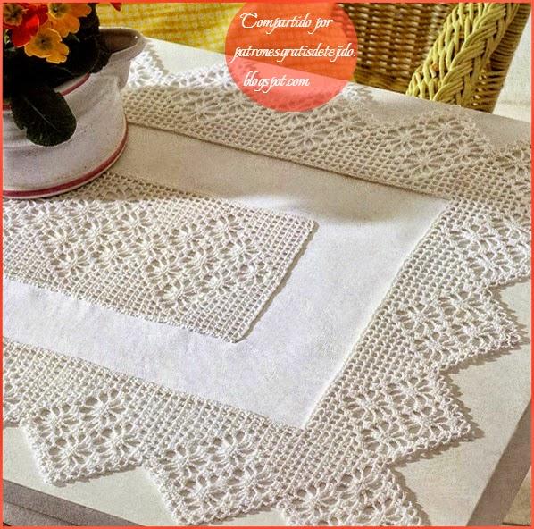 Puntillas de crochet aplicadas a mantelito