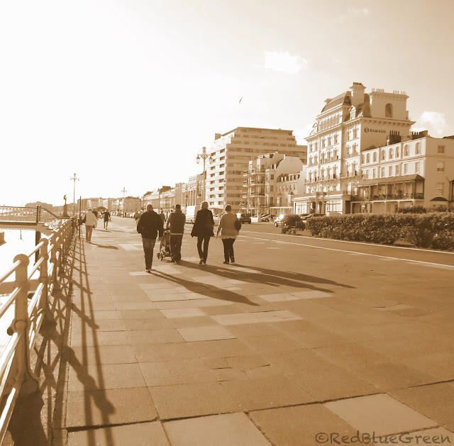 photo of broadway at Brighton seafront
