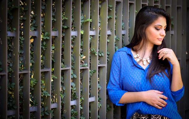 Look: camisa de seda azul klein - tendência primavera verão 2014