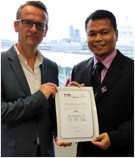 Receiving the Travel Trade Gazette Awards within the Destination of the Year | Sarawak Malaysia Borneo