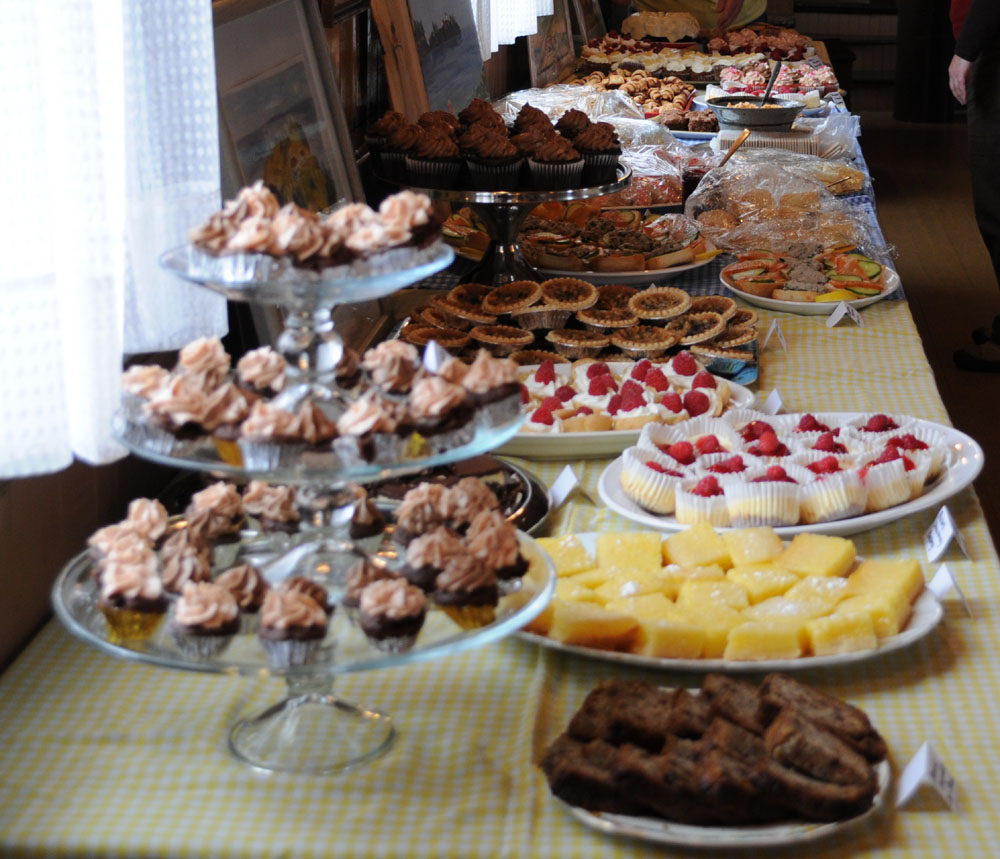 Remarkable Long view of the Buffet Table in the Covert Hall with sweets and  1000 x 859 · 182 kB · jpeg
