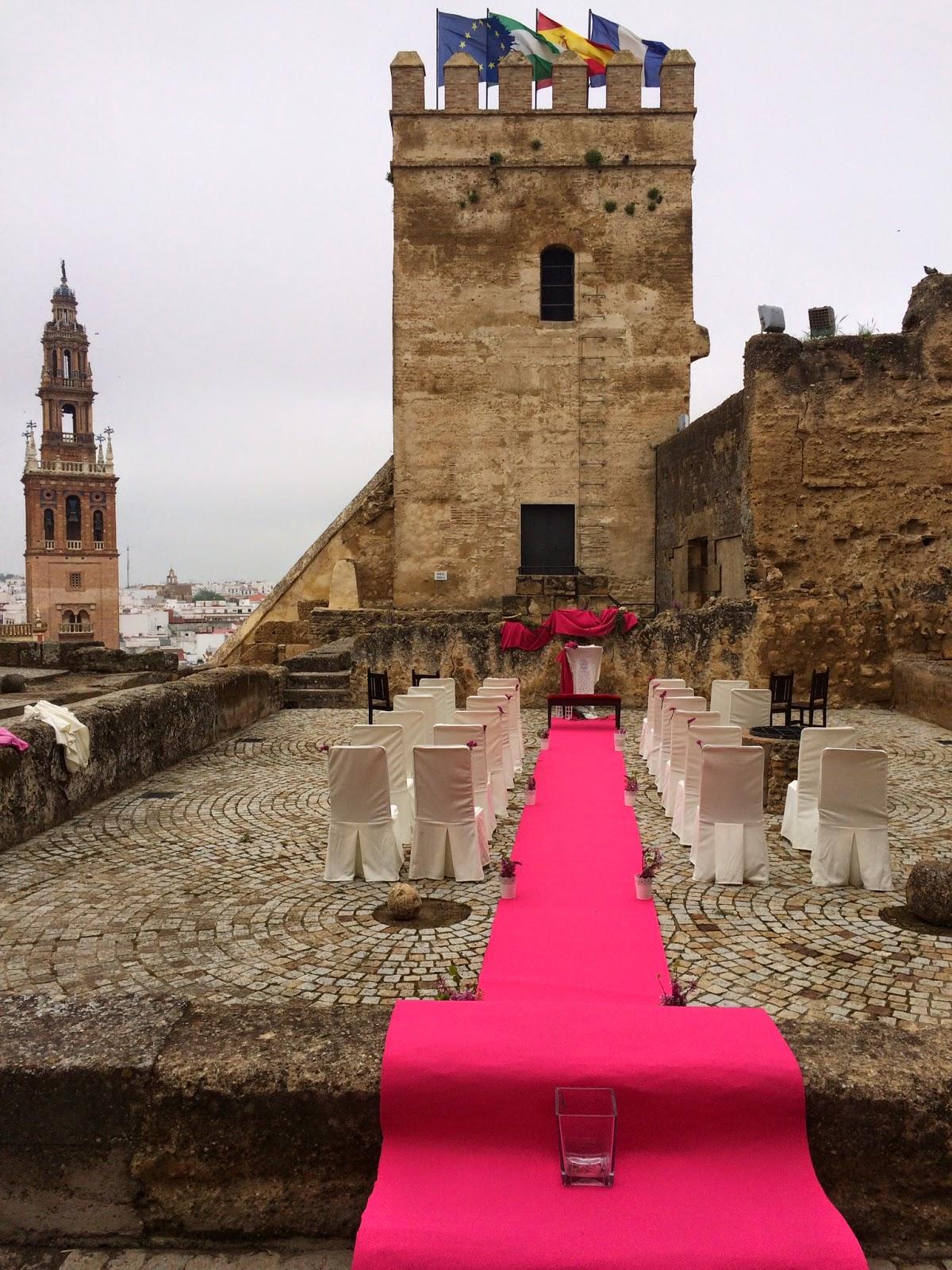 Coral de la puebla del r o boda civil en el alc zar for Puerta de sevilla carmona