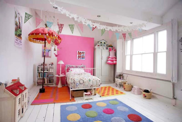Wicker stitch quirky decorating little girls bedroom for Quirky apartment design