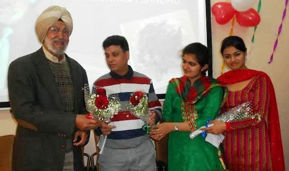 students welcoming punjabi writer gurmeet sandhu