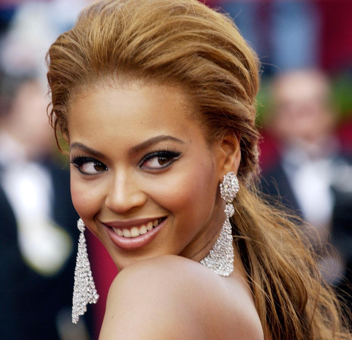 http://1.bp.blogspot.com/-VLPrQufjzDk/TxIBHYVE7rI/AAAAAAAAAw8/sTbSv3RdnSg/s1600/beyonce-knowles-hair-05.jpg