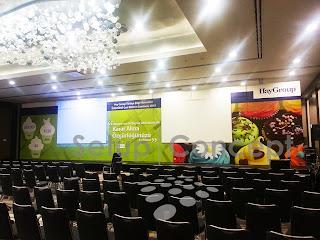 sahne dekor, sahne tasarım, karşılama deski,toplantı sahnesi,event, lansman, organizasyon