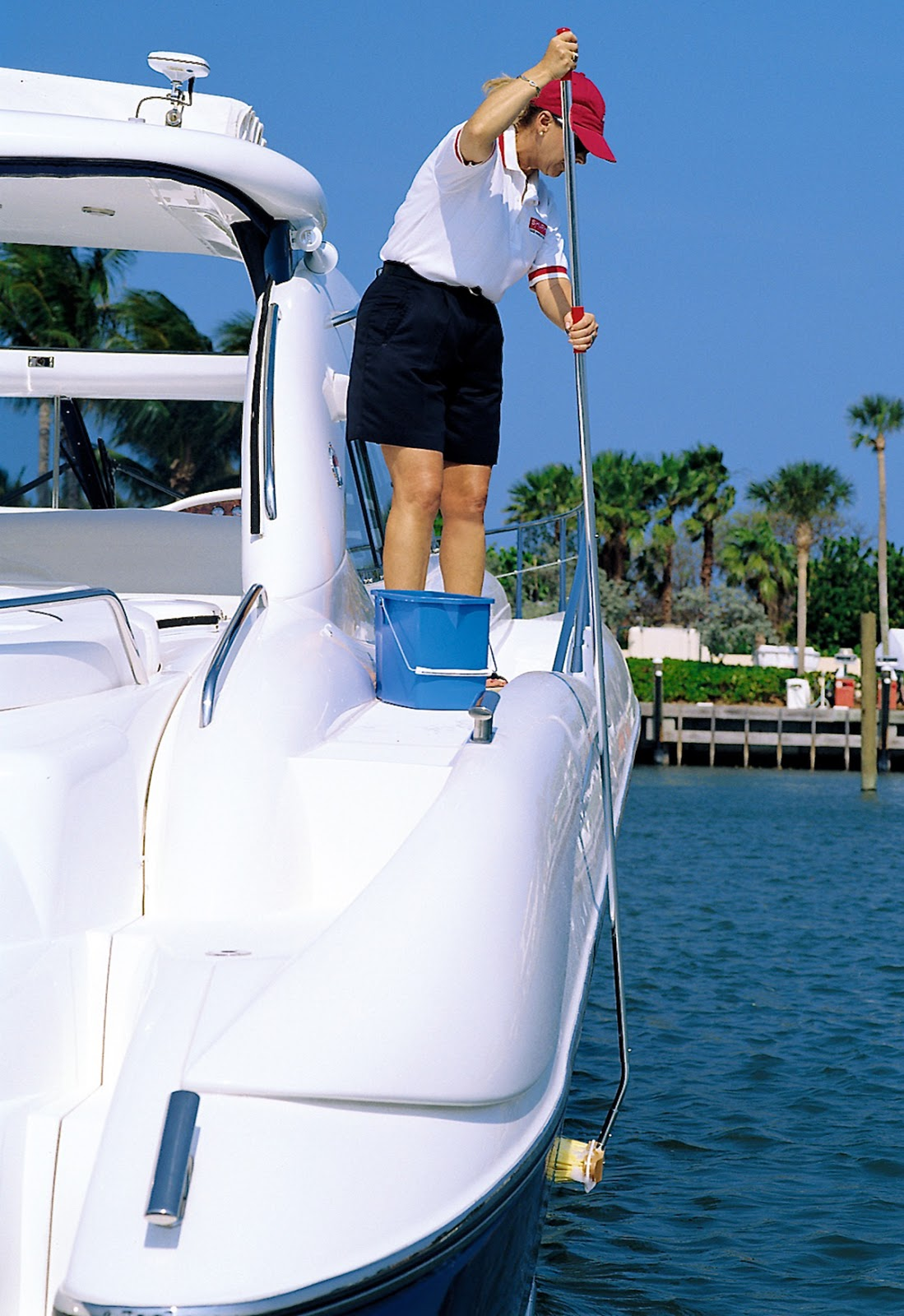 3 Ways to Wash a Boat