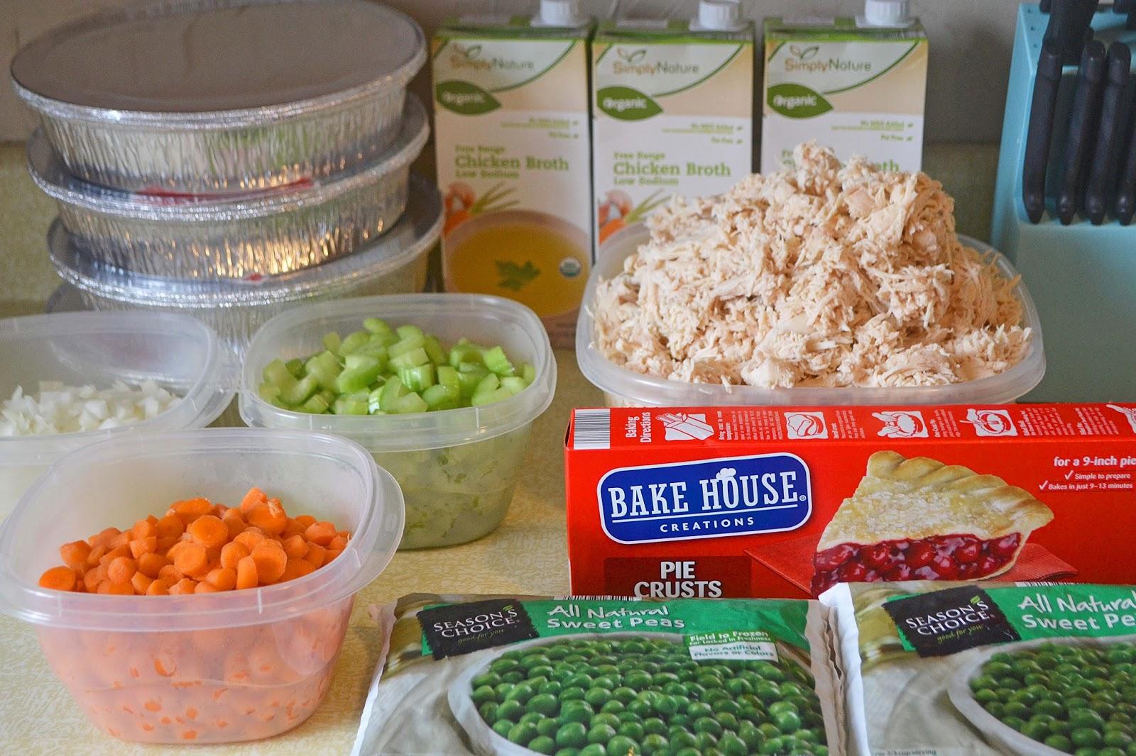 #chickenpotpie #chicken #lowcalorie #healthy #recipe #IIFYM #macros #freezermeal #casserole