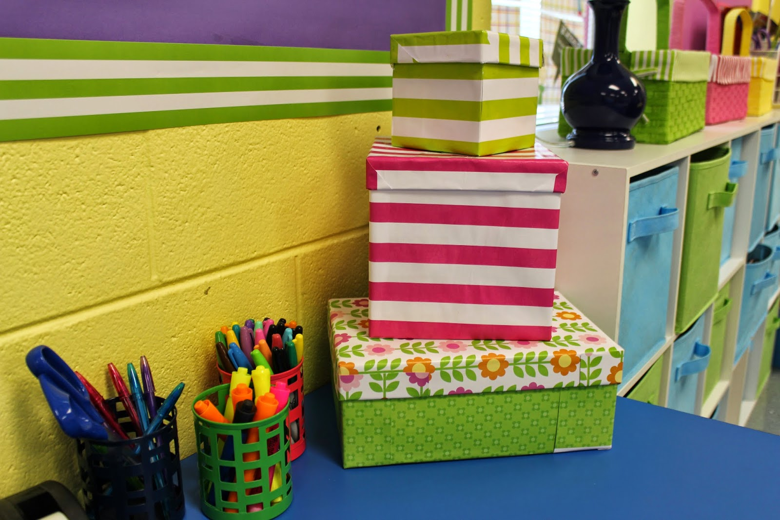Classroom Decor Cheap ~ Hoppin free cheap classroom decor ideas