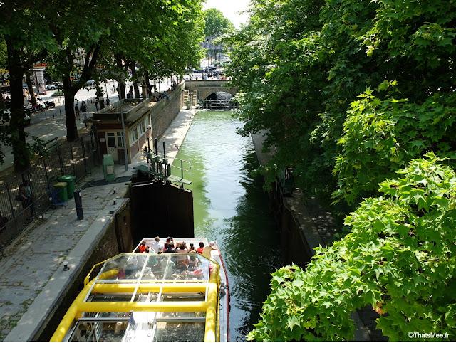 Bar  25 degrés est Paris Stalingrad canal Ourcq vue Seine bord de l'eau écluse bateau