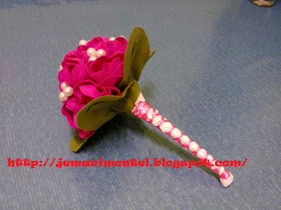 bunga tangan palsu yang cantik