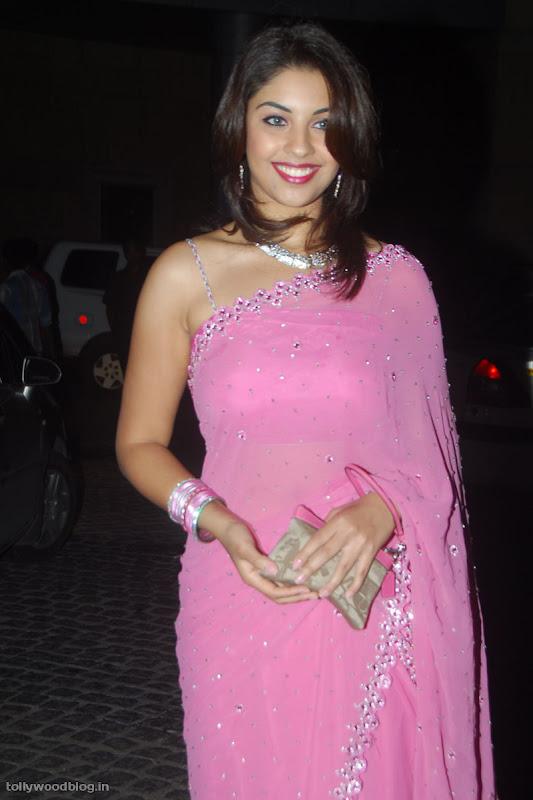 Richa Gangopadhyay latest new photos sexy stills