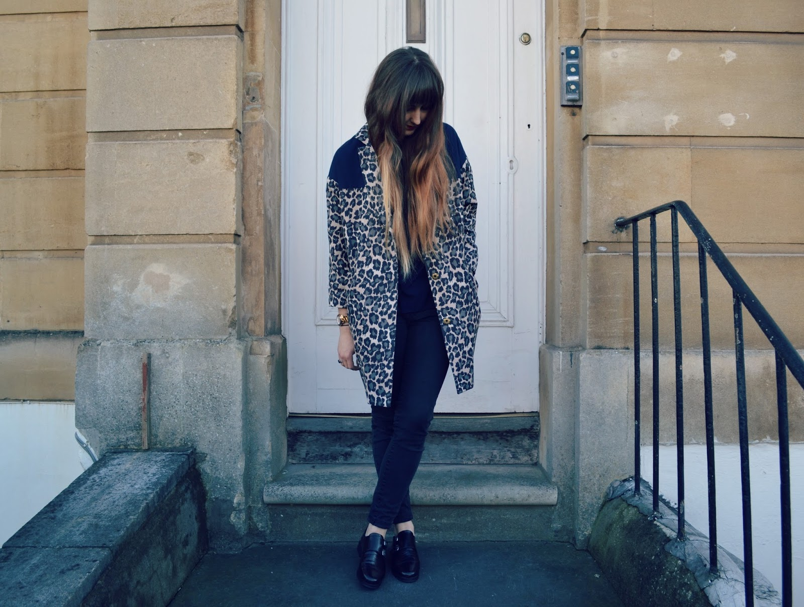 black skinny jeans topshop monk shoes leopard print coat