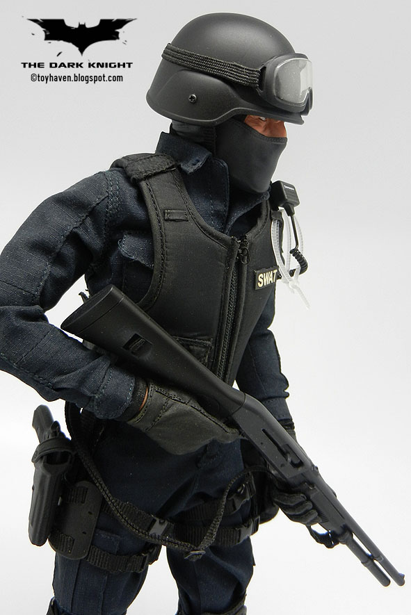how to become a swat team member