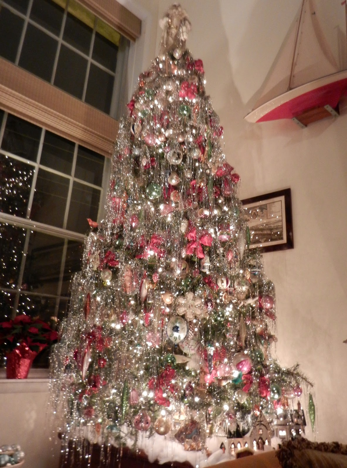 Knickerbocker Style & Design: An Old-Fashioned Christmas Tree