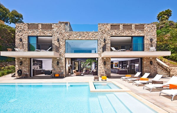 Beautiful luxury home malibu most beautiful houses in for Beach house designs usa