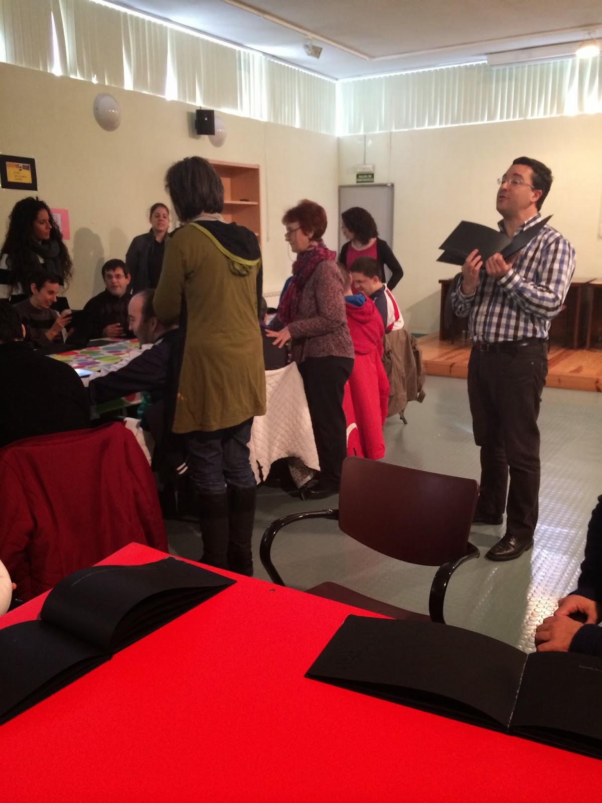 Biblioteca Solidaria: APROMIPS Y El libro negro de los colores
