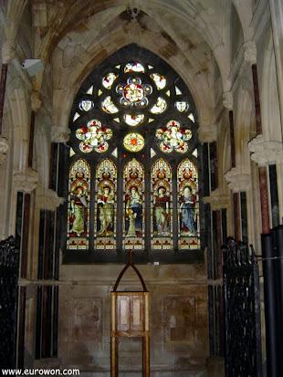 Vidriera de la iglesia de Kylemore