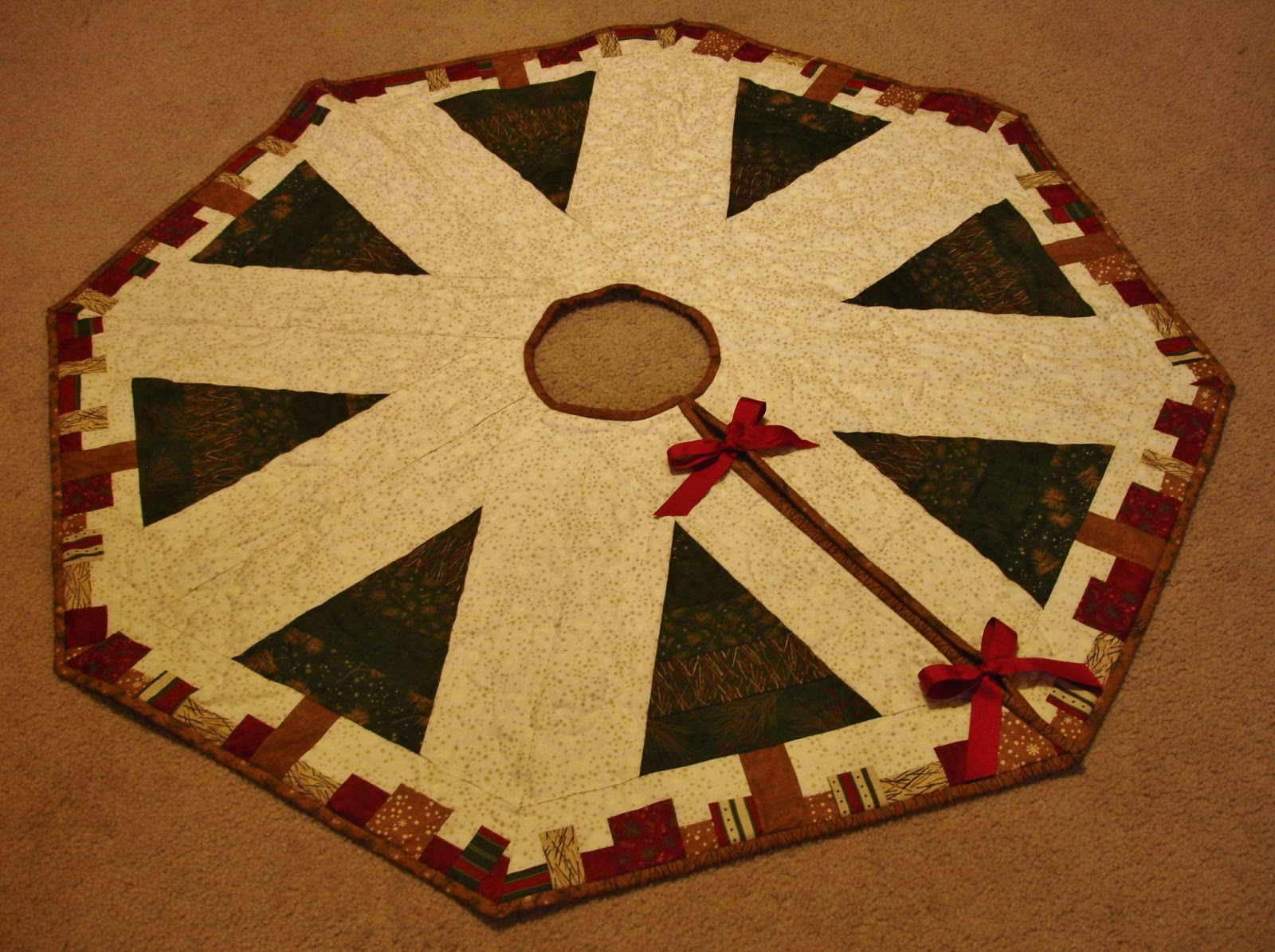 speedy christmas tree skirt - Quilted Christmas Tree Skirt Pattern