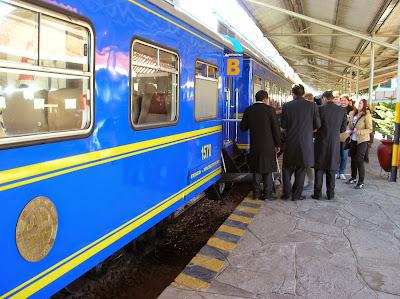 Estación de Poroy,  Perú, La vuelta al mundo de Asun y Ricardo, round the world, mundoporlibre.com