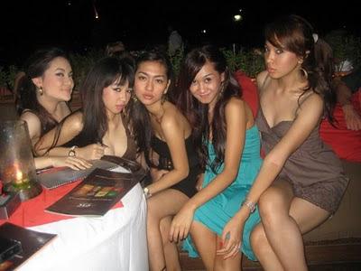 Cerita Seks Terbaru 2013 - Ngentot Tante Kost yang Seksi dan Hot