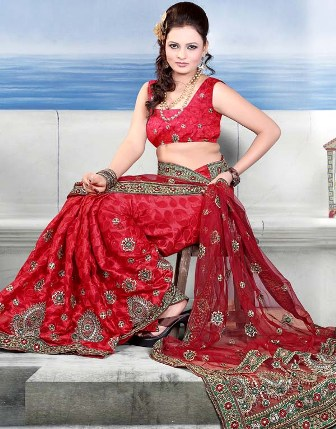 Latest-Bridal-Wear-Saree