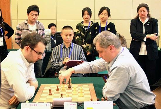 Vassili Ivanchuk 1-0 Leinier Dominguez aux Jeux mondiaux de l'esprit à Pékin - Photo © site officiel